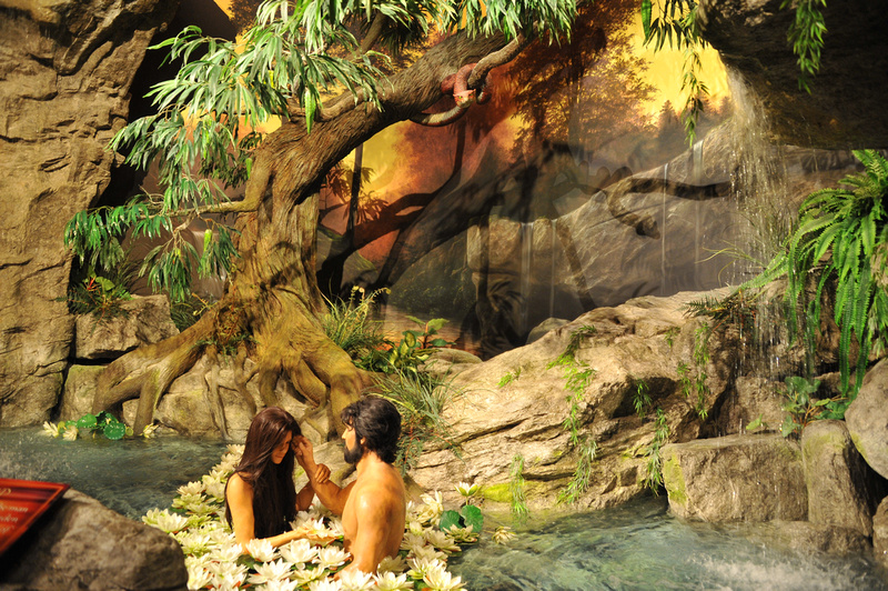 The Serpent with Adam and Eve in the Creation Museum 031