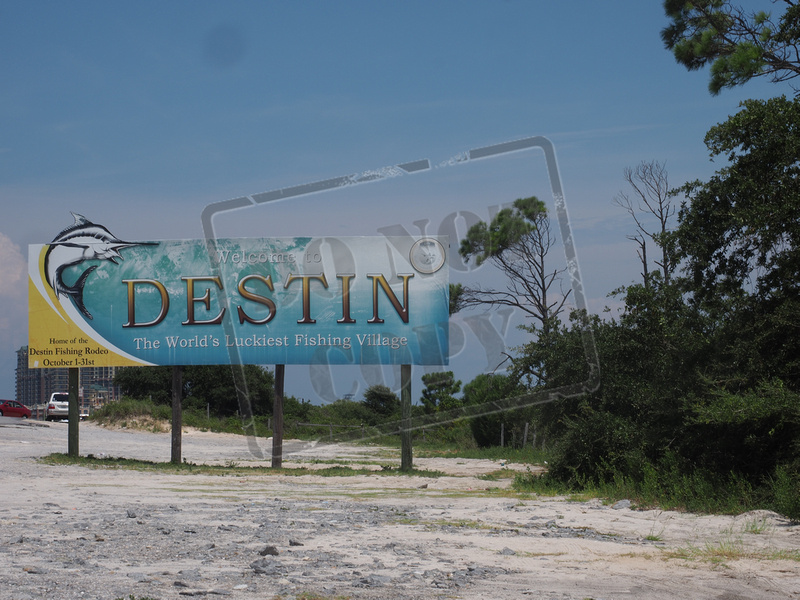 Destin welcome sign 109